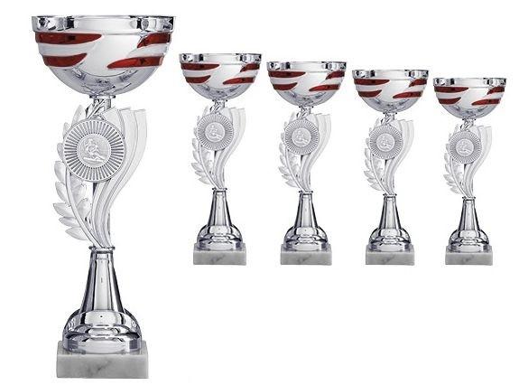 Sportlicher Pokal in Silber mit rot-weißen Elementen (Artikel 4745)